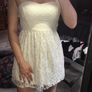Hollister strapless lace dress